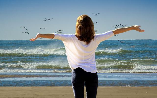 4 belangrijke gelukshormonen zorgen ervoor dat jij je beter in je vel voelt